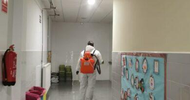 La Concejalía de Educación refuerza las labores de desinfección en los centros educativos de cara a la vuelta a las aulas